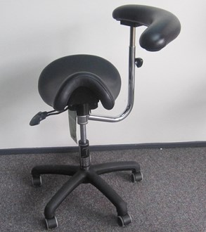 Bambach Saddle Seat with Belly Bar and Foot Ring but NO Back Rest - In Black, Charcoal or Windsor (ADD $100 for specialty colours)